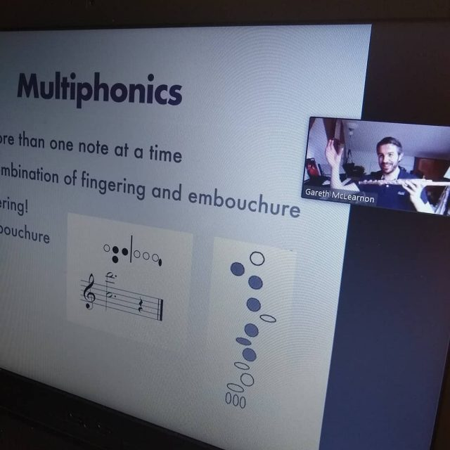 Masterclass in extended flute techniques with @garethmclearnon right now thanks to @haynesflutes! Fluttertonguing, microphonics, key clicks, glissando and other fun stuff to explore! 70 participants online with us right now